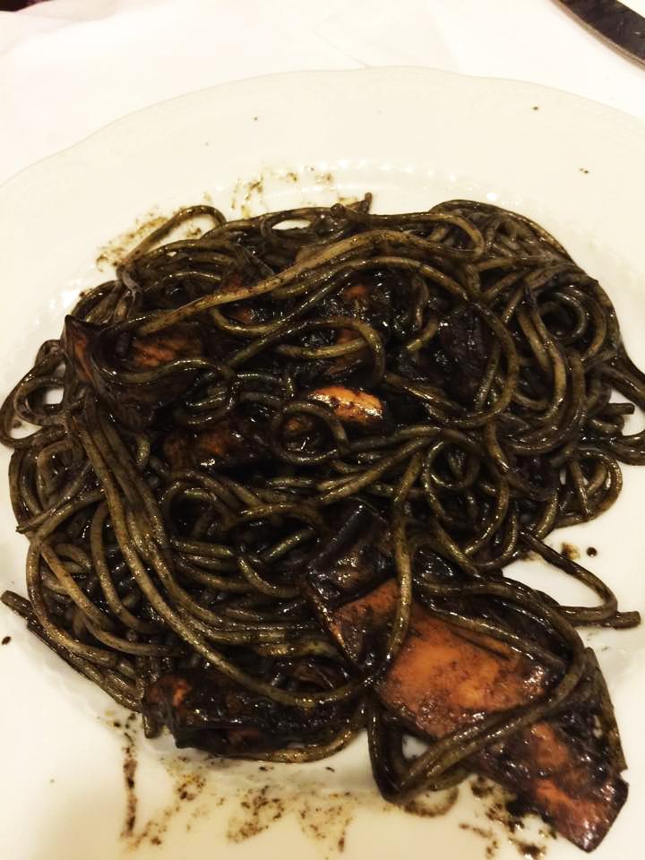 Turismo_Gastronômico_na_Itália_Spaghetti_al_Nero_di_Seppia