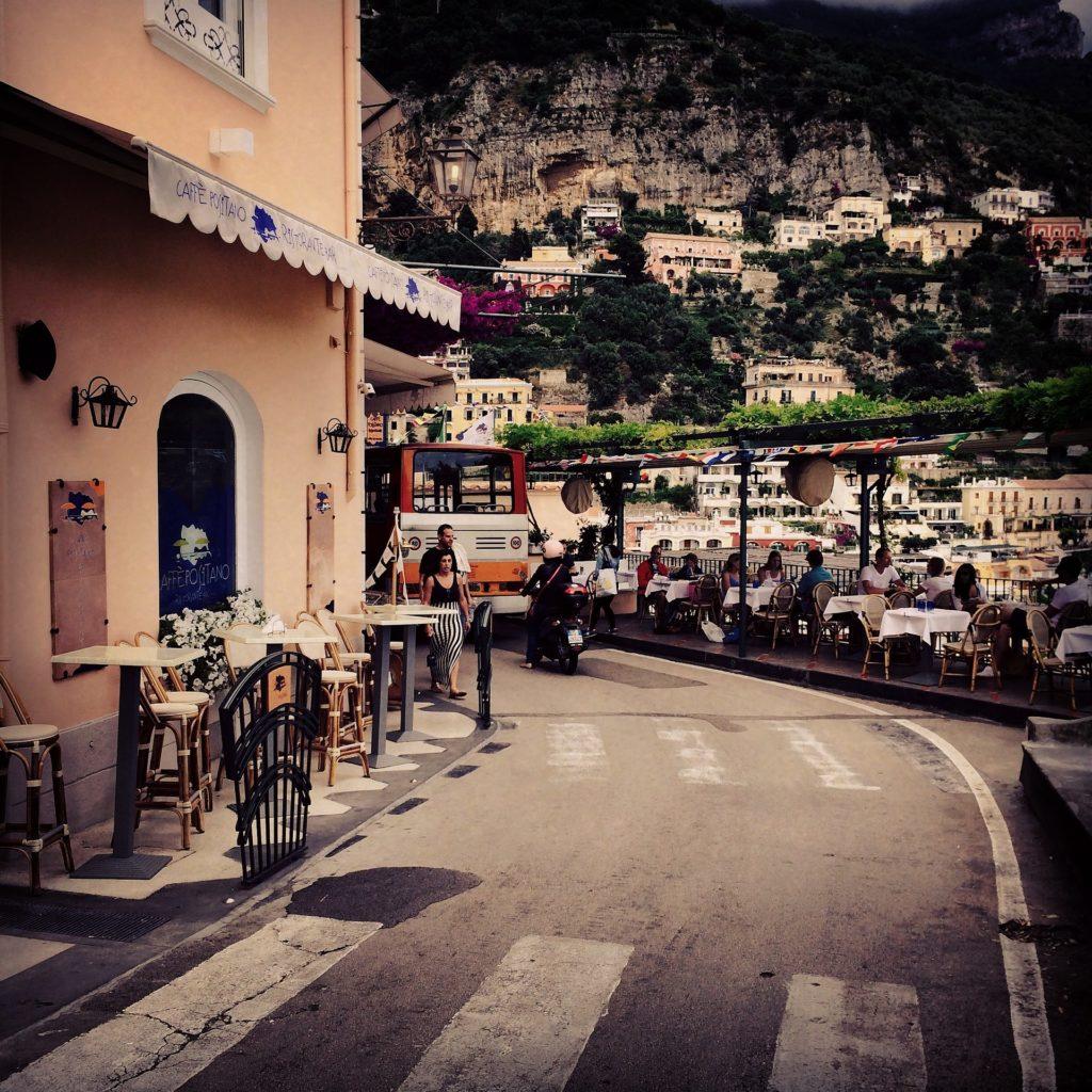 lua_de_mel_na_costa_ amalfitana_e_ capri_na_italia_10