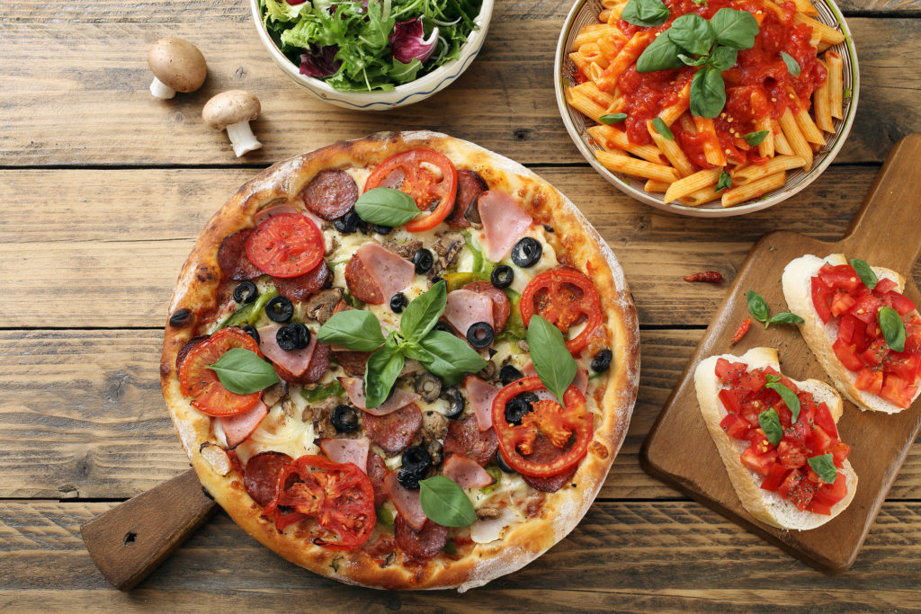 making_italian_pasta_and_pizza_1