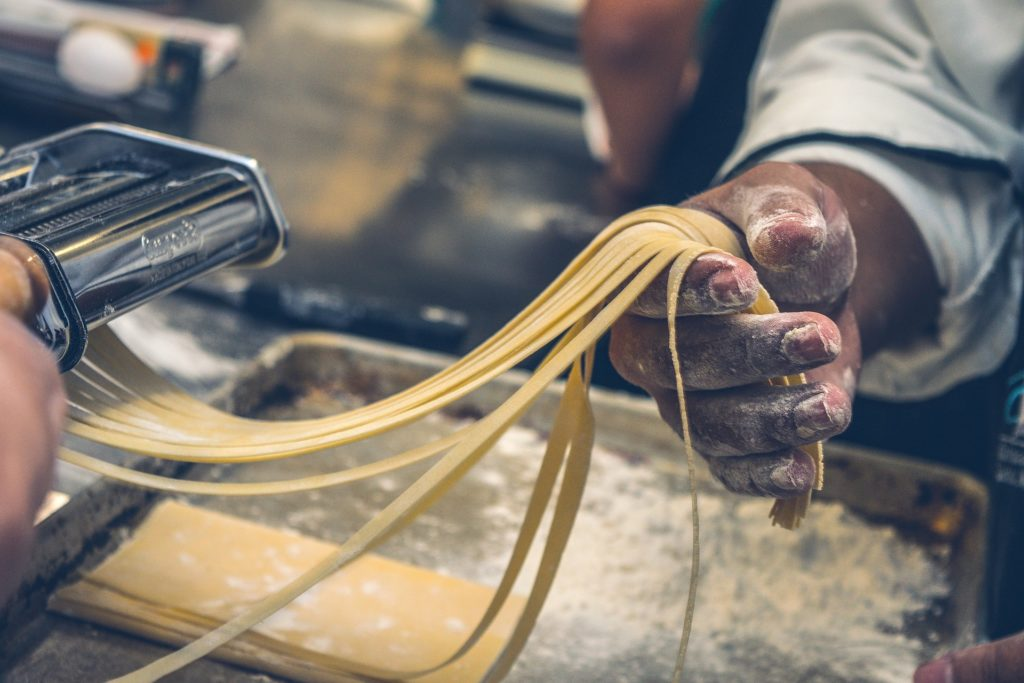 making_italian_pasta_and_pizza_2
