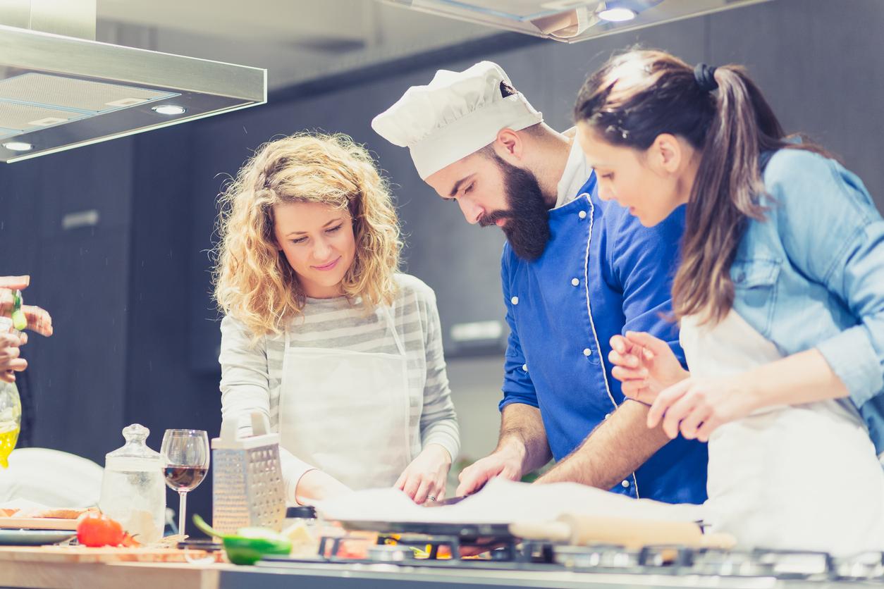 aula_de_culinaria_em_roma_em_portugues